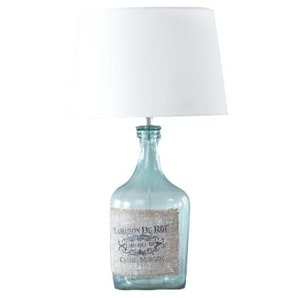 Diese extravagante Tischlampe ist ein echter Hingucker. Durch das tolle Flaschendesgin wirkt sie super stylisch und sollte auch bei dir Zuhause nicht fehlen.