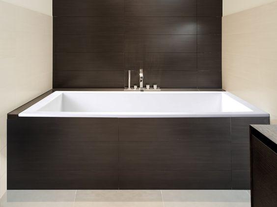 """Sparta 60"""" x 32"""" Soaking Bathtub"""