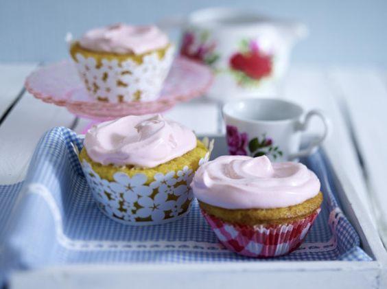 Unser beliebtes Rezept für Vanille-Cupcakes und mehr als 55.000 weitere kostenlose Rezepte auf LECKER.de.