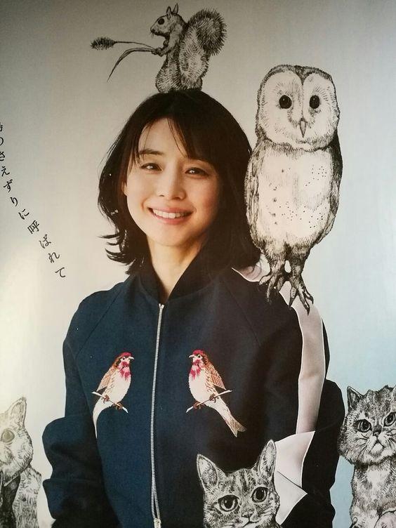 動物のイラストと石田ゆり子