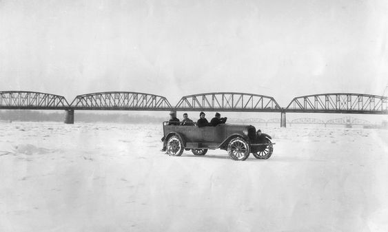 Columbia River was frozen over and vehicles were able to drive on it.