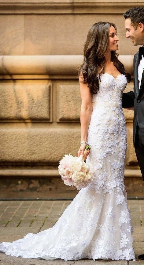 Lace mermaid wedding and new york on pinterest for Beautiful fitted wedding dresses