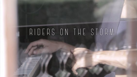 Madjo - Riders on the Storm In house Live performance // bootleg James Blake X The Doors September 2015 Available on iTunes : https://itunes.apple.com/fr/alb...