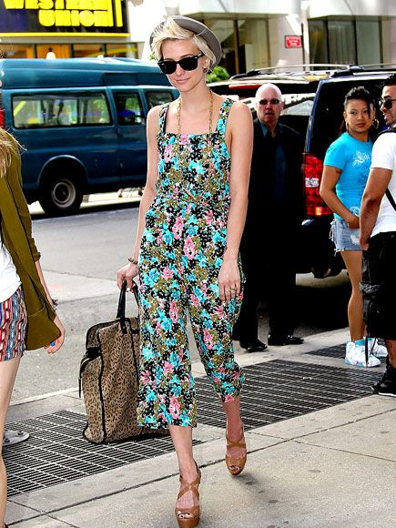 Cute airport style