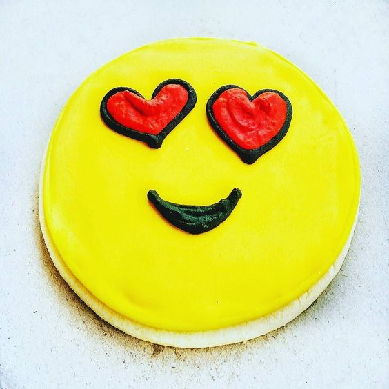 #Opportunity365 22 September 2016  I am #inspired to #gratitude by good food great company and this yummy emoticon cookie from @charlysbakery!  If you visit #CapeTown do yourself a favor and check out their #MuckingAfazing cakes!