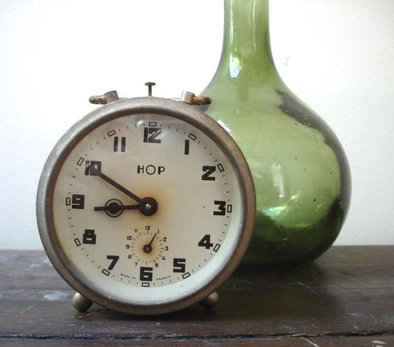 Vintage 1940's HOP alarm clock by SAMANTHATENN on Etsy, $55.00