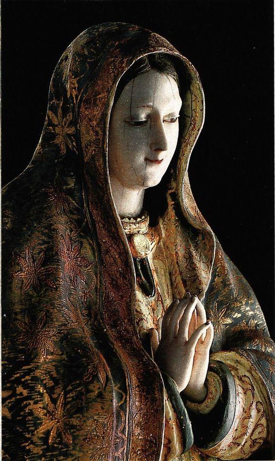 Anónimo hispano-filipino, Virgen de Guadalupe (detalle), madera policromada y aplicaciones de marfil, sin medidas, ca. 1690-1720, colección: Museo Nacional del Virreinato, INAH, catalogación: Juan Carlos Cancino.