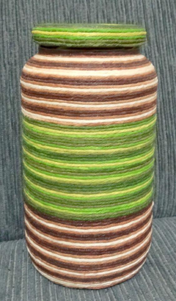 lindo vidro revestido com barbante em duas cores