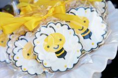 Beautiful Bumble Bee Birthday Party :: Sweet Customers