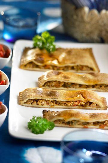Empanada de maiz con lomo adobado: