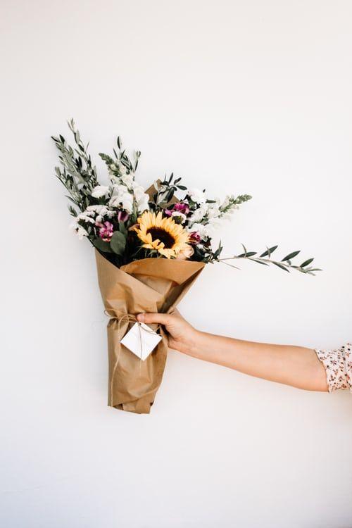 اجمل بوكيه ورد فى العالم اجمل بوكيه ورد رومانسي Zina Blog Bouquet Images White Flower Bouquet Flowers Bouquet