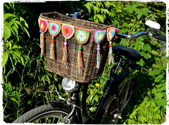 So sieht mein Fahrradkörbchen nochmal so schön aus. Sommer, Sonne, kunterbunt!
