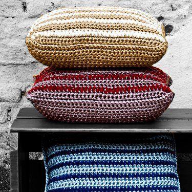 Almofadas em crochet - tons metálicos  www.saladesign.com.br