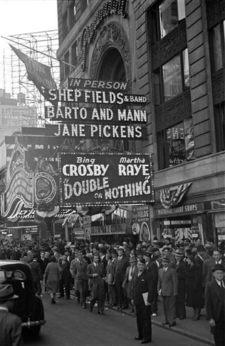 Paramount Theatre, New York - 1937.  The George Mann Archive.