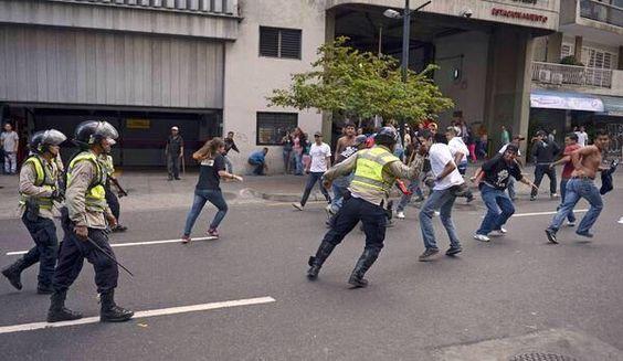 Miren como tratan a nuestros muchachos.......Por eso es que los matan y a nadie les duele. #LUZ #Maracaibo #5Mayo