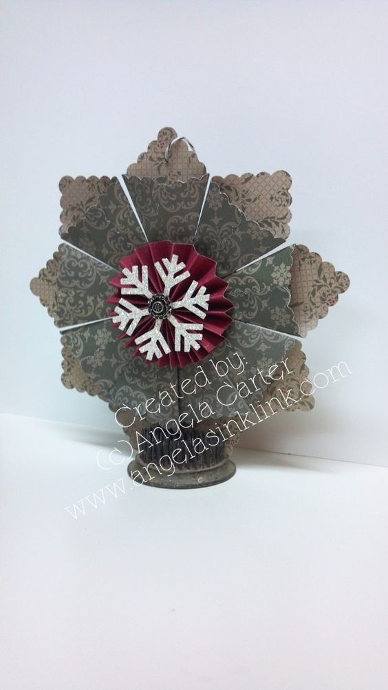 Paper Medallion Ornament  www.angelasinklink.com