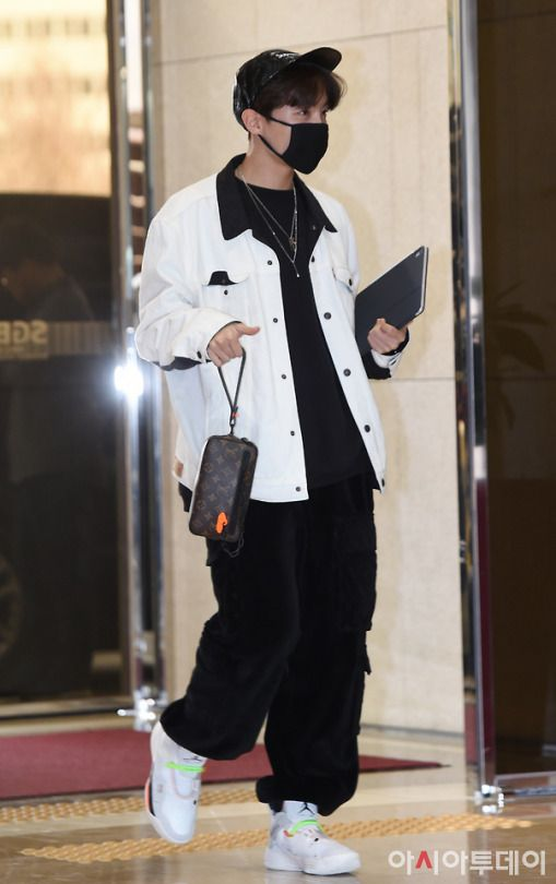 #BTS #Jhope Airport Style