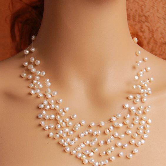Amazing Floating Pearl Necklace Ideas