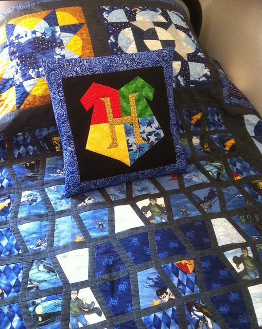 Harry Potter Quilt with matching Hogwarts Cushion