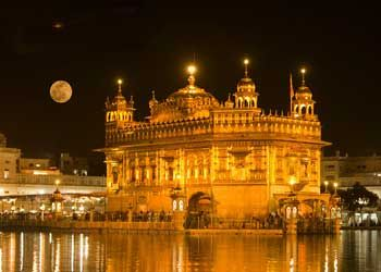 Beautiful Temple In Amritsar India And A Wonderful Full Moon Favorite Places Spaces