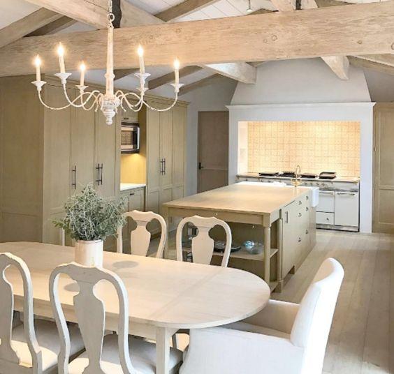 KITCHEN DESIGN AND KITCHEN DECOR with French Country interior design style. Malibu Mediterranean Modern Farmhouse Giannetti Home. #kitchendesign #kitchendecor #modernfarmhouse #Frenchfarmhouse #Frenchcountry #kitchenideas #giannettihome #rusticdecor #dreamhomes