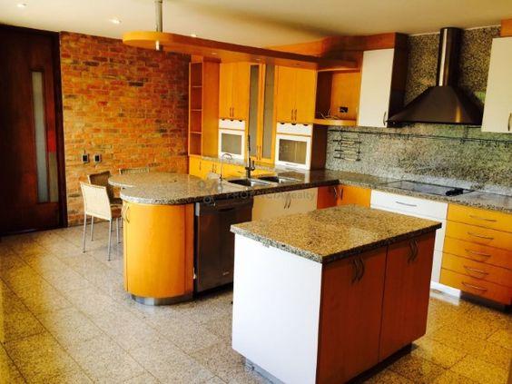 Amplia cocina. Modern/Rustic style Kitchen