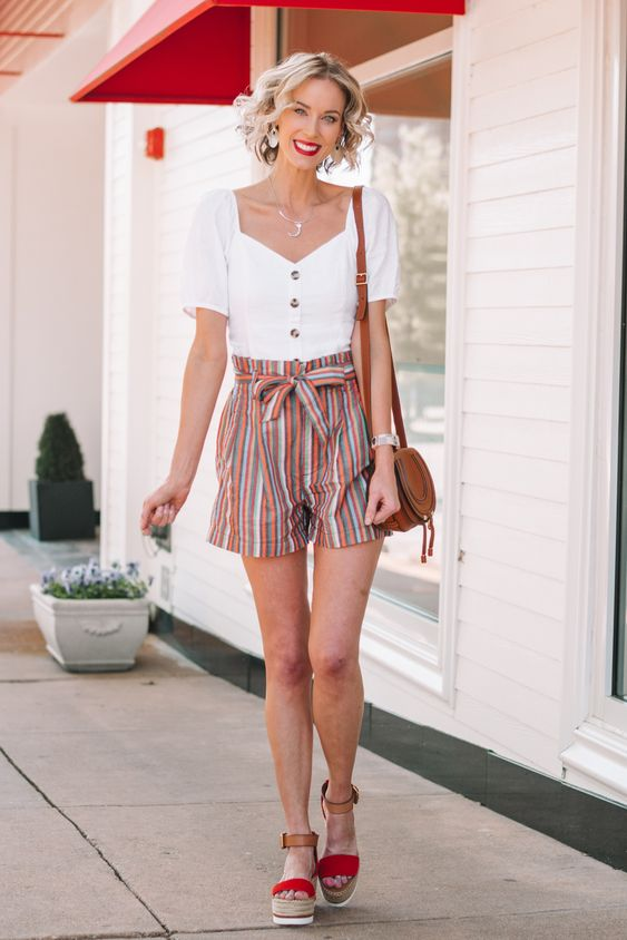 How to Wear Paperbag Shorts - paperbag shorts with a puff sleeve top