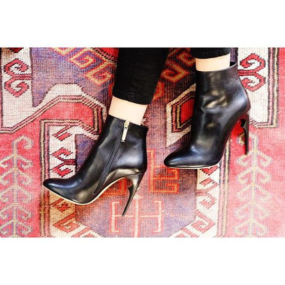 #Mimi perfectly pairs with your #Fall patterns. #AW1516  #FallWinter #FallStyle #Leather #KillimRug #Heel #ShoePorn