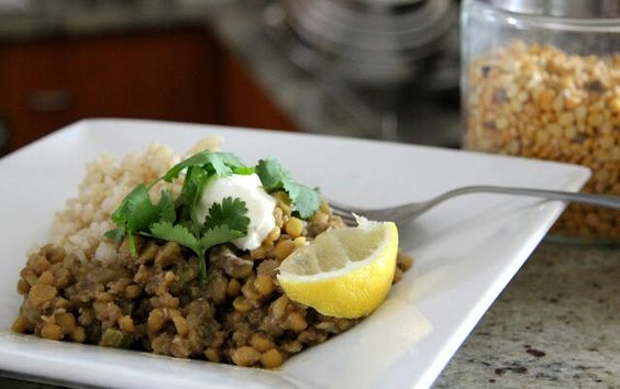 Dahl with Brown Rice - http://www.talistomatoes.blogspot.com.au/2012/04/easy-dahl-with-brown-rice.html