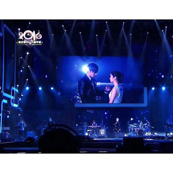 雖然今年跨年不在台北,但在台北演唱會上還是透過大螢幕出現了,看到嗎!hahaa! #DT #唐禹哲