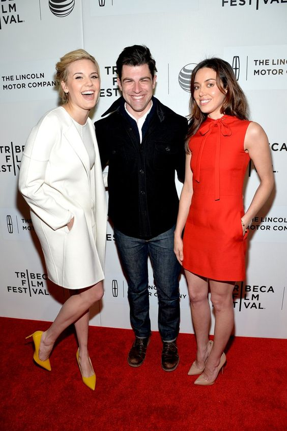 Pin for Later: Suite et fin du festival du film de Tribeca !  Maggie Grace, Max Greenfield et Aubrey Plaza à l'avant-première de About Alex.