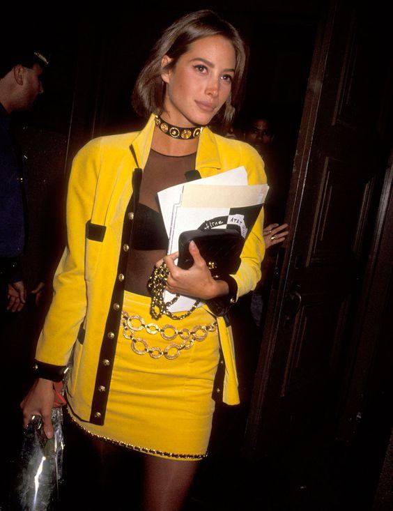 1990: Los trajes de falda coloridos