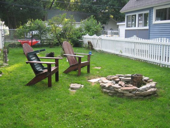 2009 looks a bit bare... but at least the fire pit was there