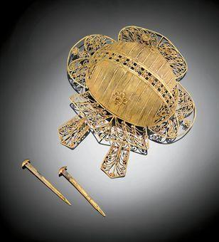 A rare gold filigree hair ornament. Ming dynasty (1368-1644).