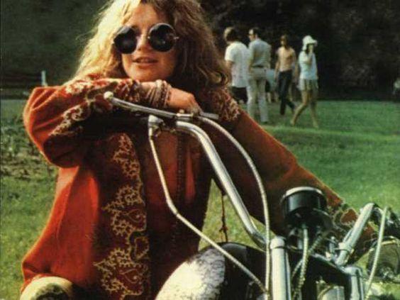 Roupas femininas dos anos 70 - fotos, dicas 18