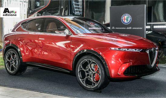 Pomigliano Start Voorbereiding Productie Alfa Romeo Tonale Auto Edizione Alfa Romeo Vliegtuigmotor Auto