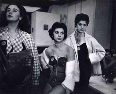 lo que ve la cámara: La calle... en los 40... en los 50... en Norteamérica Esther Bubley