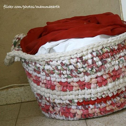 Fotka: Que belo cesto para roupa!  http://goo.gl/Itd3Yy