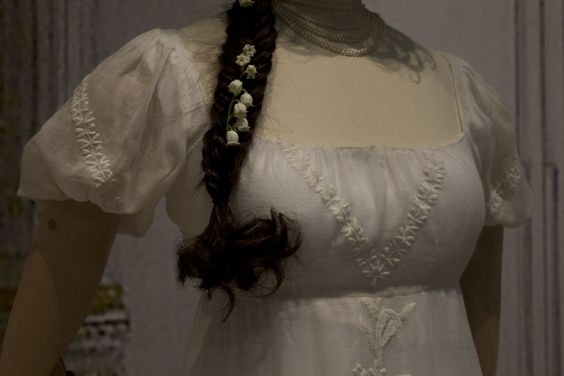 Gemeentemuseum the Hague exhibition on 19th century fashion - Cotton dress 1805 Bodice detail