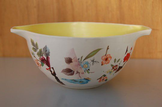 Carole Smith Updates Pyrex with Ceramics