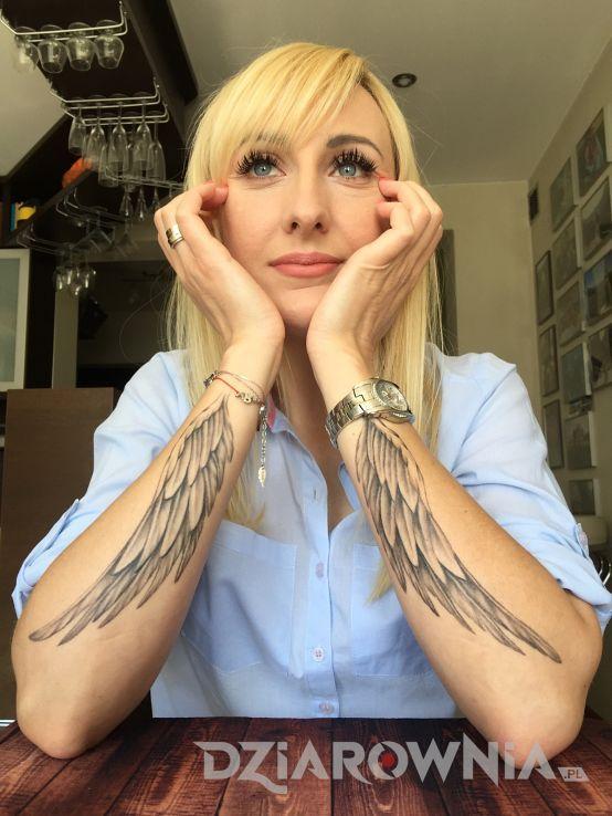 Znalezione Obrazy Dla Zapytania Tatuaż Skrzydło Na
