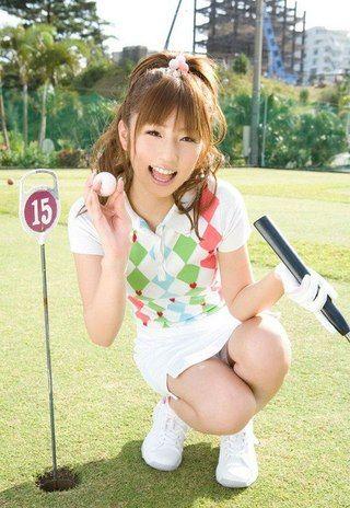 ゴルフウェアの小倉優子