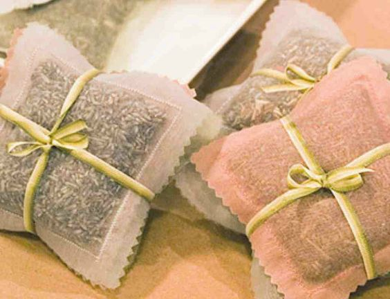 Homemade Sachet Bags and Scented Fillings: