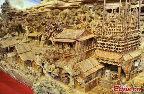 world's longest wood carving