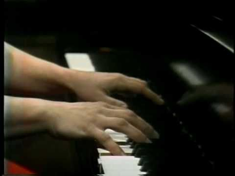 Martha Argerich plays Ravel - Jeux d'eau // going to work on this piece. LOVE IT.