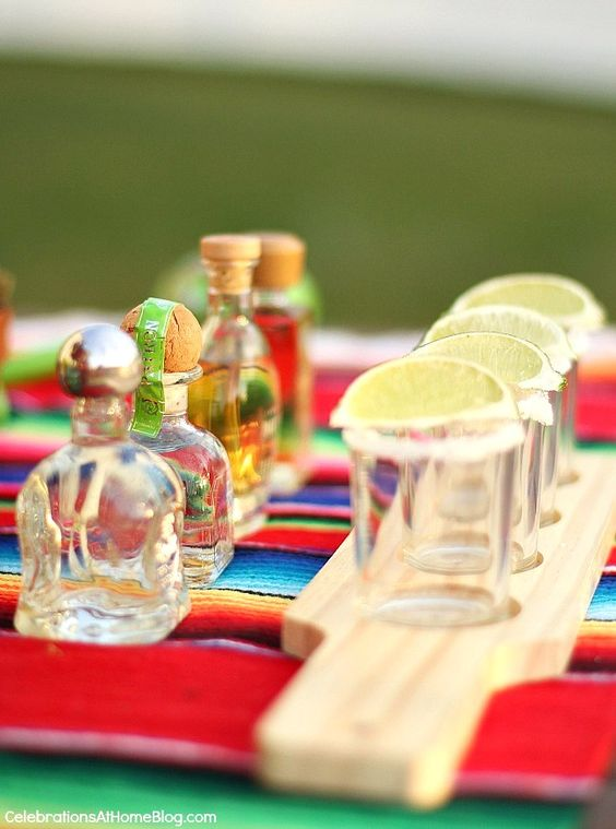 You'll love these tabletop and entertaining ideas for Cinco de Mayo - tequila tasting: