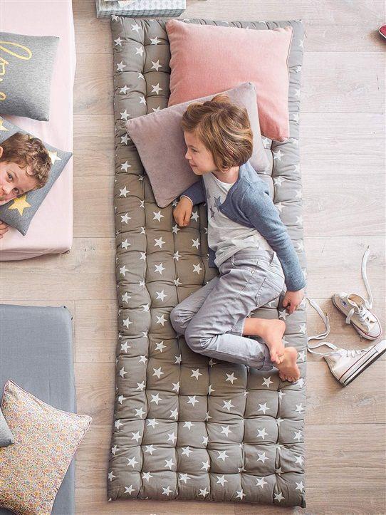 Cuscini Materasso Da Pavimento.Materassi Per Bambini Da Terra Cameretta Bambini Idee Bambini