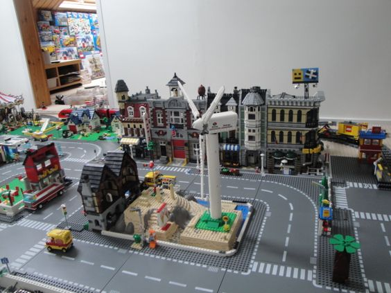 Layout Okay, so I've been wanting to post these for ages and I finally got around to doing it. So here are some pictures of my Lego City         The train ...