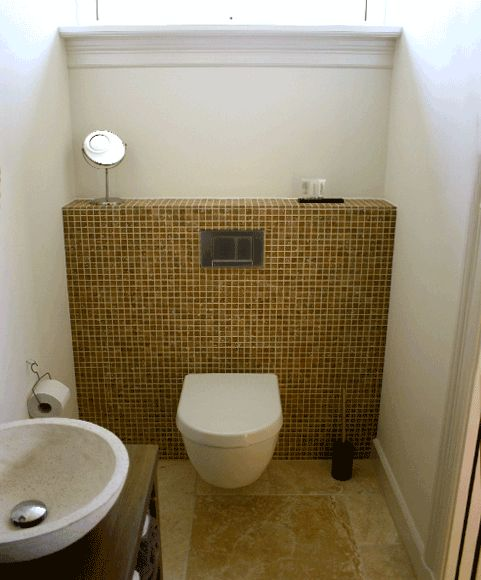 Toilet tuinkamer met mozaiek tegels woon decoratie pinterest toilets villas and stylists - Decoratie voor toilet ...