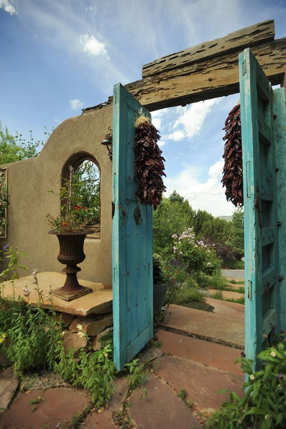 Santa Fe Entryway--I love this color of turquoise blue. Also very Provencal...: